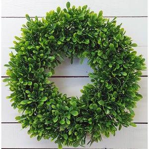 Wayfair Gracie Oaks Boxwood Polyethylene Wreath
